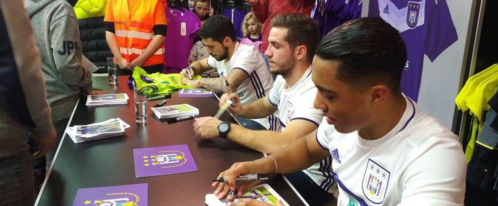 Sute de fani au venit sa ia autografe de la Stanciu si Chipciu! Ce s-a intamplat azi la shop-ul lui Anderlecht