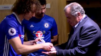 Cine a zis ca David Luiz nu e magician? Fundasul lui Chelsea s-a dat in spectacol in vestiar :) VIDEO