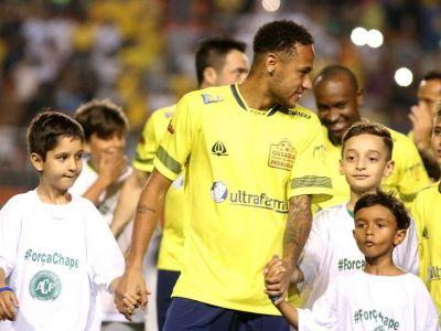 Chape traieste! 4 transferuri in ziua de Craciun si o surpriza de la PES: echipa a fost primita in joc!