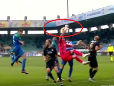 Arbitrul care a condus o semifinala UCL sezonul trecut tocmai a dat penalty pentru un hent la portar :) VIDEO