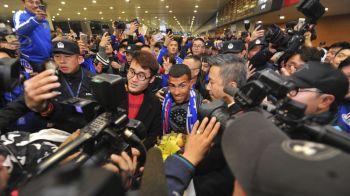 Nebunie curata! Ce s-a intamplat cand Carlos Tevez a aterizat in China dupa transferul urias din aceasta iarna