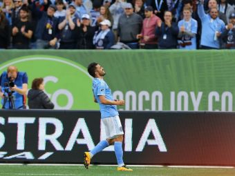 David Villa, primul jucator care pateste asa ceva in fotbal! Arbitrul a vazut reluarea video si apoi a decis