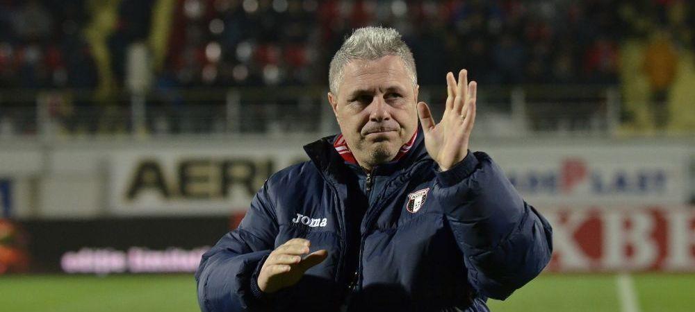 """Dialog incredibil intre Ioan Niculae si fanii Stelei: """"Pe cine ne mai dati?"""" / """"Cred ca va dau antrenorul!"""""""
