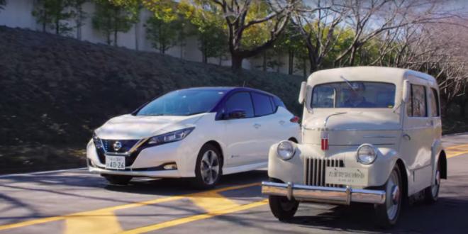 VIDEO fantastic: prima si cea mai recenta electrica Nissan ruleaza impreuna!
