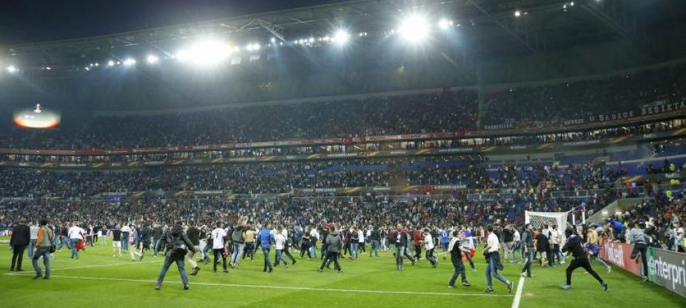 INCREDIBIL! Motivul pentru care turcii au intrat cu BOMBE artizanale pe stadionul lui Lyon! Ce eroare au facut gazdele