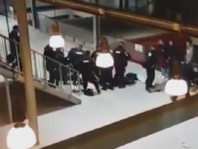 Interventie in forta a jandarmilor, dupa un conflict intre stelisti si clujeni! Suporterii au fost batuti si interzisi pe stadioane! VIDEO