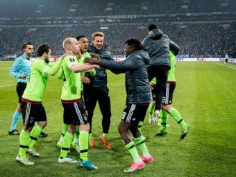 MINUNEA AJAX a dat lovitura cu Schalke! Ajax s-a calificat in 10 oameni dupa 2 goluri in prelungiri! VIDEO