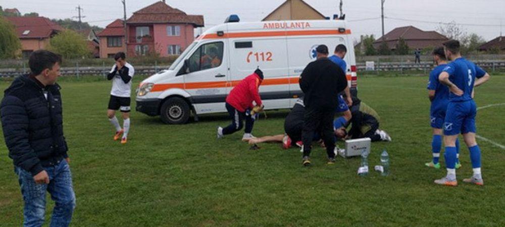 """Momente de groaza la un meci disputat in acest weekend in Romania. Un fotbalist a facut stop cardiac pe teren: """"Zi-le sa opreasca meciul, ca mi-e rau"""". Ce s-a intamplat"""