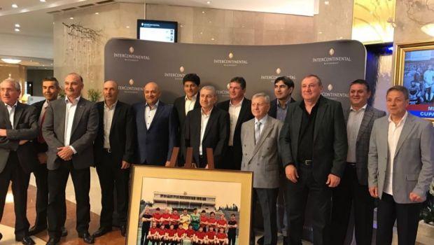 """Steaua '86 s-a reunit azi FARA eroul Duckadam: """"La anul vrem sa organizam un meci cu Barcelona"""". 21:30 la Sport.ro: Finala de la Sevilla, comentata de Balint"""