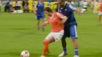 GENIAL! Ronaldinho a inventat un nou dribling la 37 de ani! Faza senzationala VIDEO