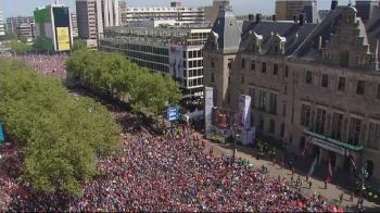 VIDEO: Imagini colosale! 140.000 de oameni in strada la Rotterdam! Fanii sarbatoresc primul titlu dupa 18 ani