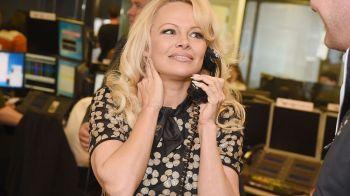 Pamela Anderson s-a cuplat cu un fotbalist cu 20 de ani mai tanar, din nationala Frantei