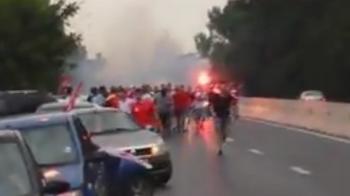 FOTO: Suporterii dinamovisti au blocat o banda pe DN1! Deplasare spectaculoasa la Ploiesti