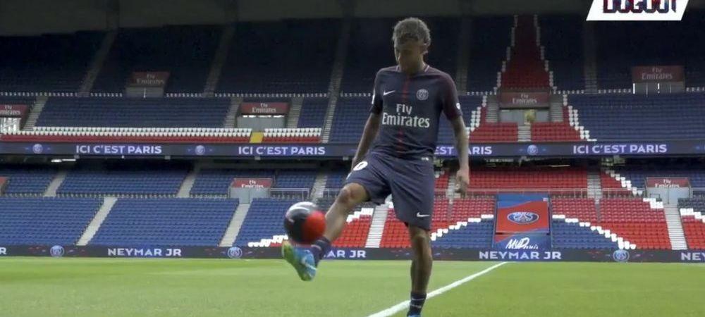 Neymar a jonglat cu mingea pentru prima data in tricoul lui PSG! Fanii au aprins torte si fumigene! VIDEO