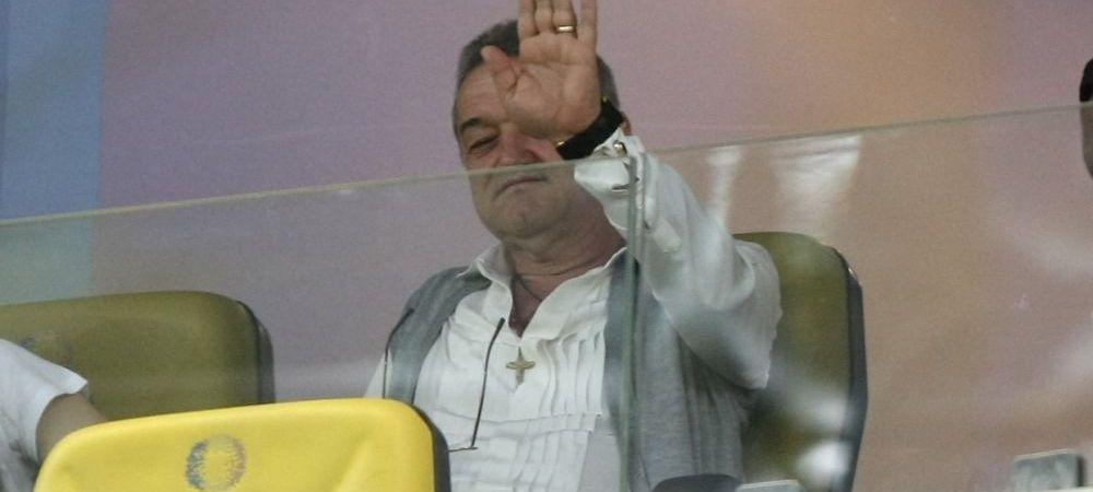 GENIAL! Reactia lui Becali cand au ajuns Benzar si Nedelcu la Palat, in timp ce dadea interviu :)) FOTO