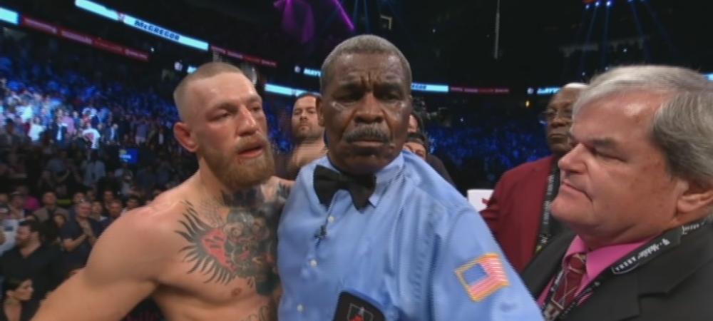 Mayweather l-a distrus pe McGregor. Irlandezul nu s-a mai putut tine pe picioare si a fost luat in brate de arbitru! VEZI VIDEO