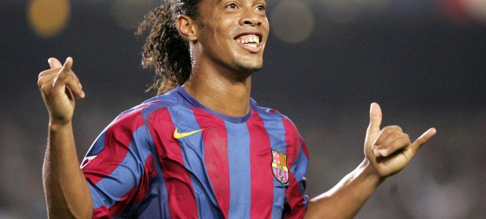 Zeul a revenit printre muritori! O noua schema de geniu facuta de Ronaldinho: a driblat portarul fara sa atinga mingea