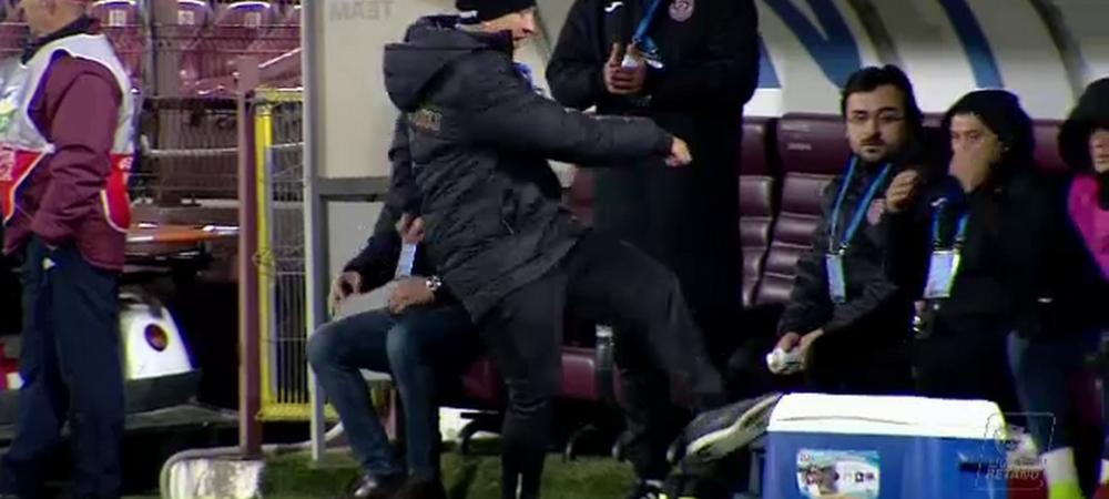 """""""Nu mai primim penalty cat sunt eu la CFR!"""" Dan Petrescu a urlat la arbitri si i-a ironizat pe fanii lui CFR: """"I se cere demisia si lui Zidane, nu doar mie!"""""""