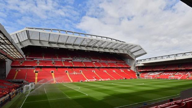 Gospodar fara pereche :) Ce a putut sa faca un fan al lui Liverpool pe cultura pe care o detine: FOTO