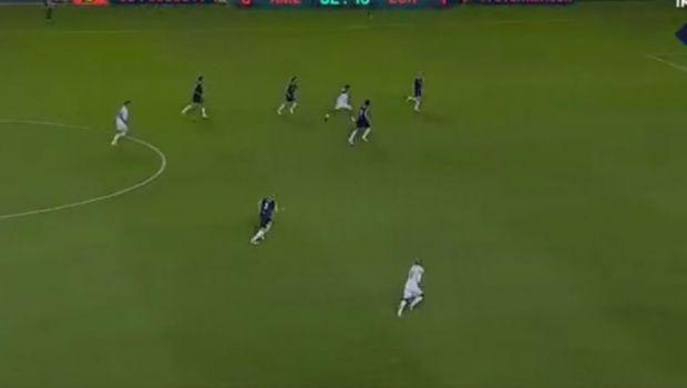 MAGIA lui Ronaldinho a lovit din nou! GOLAZO incredibil de langa o LEGENDA a Barcelonei! Cum a putut sa inscrie de la 40 de metri