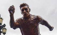 I-au rupt picioarele lui Messi! Statuia starului Barcelonei a fost vandalizata in Argentina