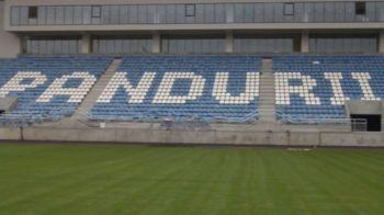 Uite stadionul, nu e stadionul! Arenele din Tg. Jiu si Arad nu pot fi inaugurate mai devreme de primavara lui 2018