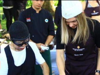 """Chef"" Halep a gatit omleta cu crab alb in Thailanda! Simona o intalneste pe Konta sambata, la ora 13:00!"