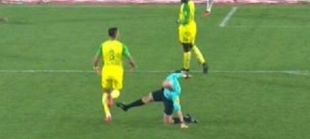 Comedie incredibila la meciul lui Tatarusanu din Franta! Arbitrul a placat un jucator, apoi l-a lovit, dupa care l-a ELIMINAT! VIDEO