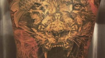 Vrea sa MUSTE din adversari! Zlatan si-a facut cel mai tare tatuaj de pana acum! Un leu imens, cat tot spatele! FOTO
