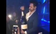 """VIDEO: Reactia de disperare a acestui """"smecher"""" dupa ce scapa sticla de sampanie de 30.000 € :)"""