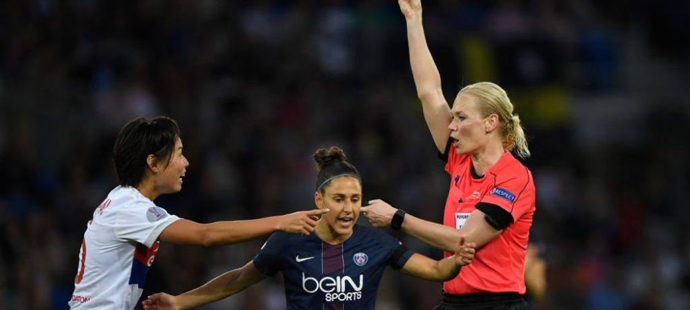 """Fetele aduc extraterestrii cu picioarele pe pamant! Ce salariu are """"Neymar-ul"""" din echipa feminina a lui PSG :)"""