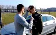 El e FRIZERUL de la Steaua! Jucatorul care da goluri si le face frizura colegilor din echipa Armatei. VIDEO