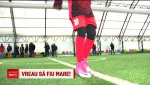 "Are doar 9 ani dar viseaza sa joace fotbal ca Ronaldo: ""Ma antrenez mai bine ca baietii!"""