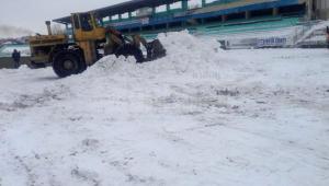IREAL! Cum arata MUNTII de zapada pe un stadion din Romania cu doua zile inaintea unui meci oficial