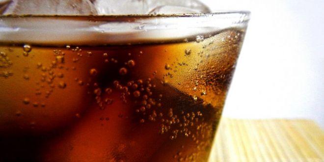 Avertisment din partea cercetatorilor! Ce se intampla daca bem prea multa Coca-Cola!
