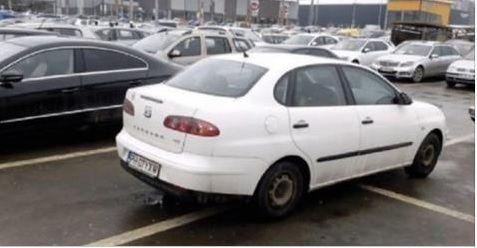 Mesajul unui brasovean catre un prahovean care a parcat pe 4 locuri. Ce scria pe biletul prins in stergator