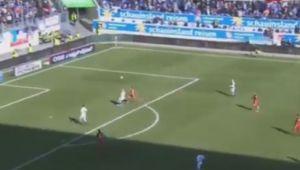 VIDEO IREAL | Asa ceva chiar nu s-a mai vazut in fotbal: GAFA ANULUI in fotbal! GOLUL PENIBIL incasat de portarul lui Duisburg