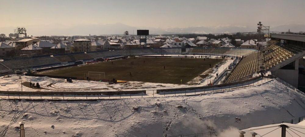 FOTO: Gheata a fost indepartata de pe gazon! Cum arata ACUM stadionul din Sibiu, cu 2 ore inainte de meci