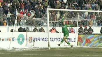 SPIDERMAN Balgradean a salvat-o pe Steaua de o RUSINE istorica! S-a AGATAT de plasa si a salvat un gol ca si facut! VIDEO