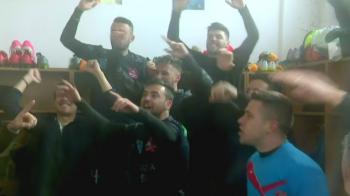 EXCLUSIV | Imagini fabuloase din vestiarul Sibiului, dupa meciul cu FCSB. Ce prime vor primi fotbalistii din liga a doua