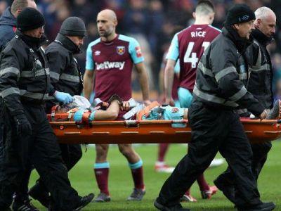 Momente CUMPLITE pe teren. Un jucator din Premier League, scos cu masca de oxigen pe fata dupa o accidentare cumplita. Ce s-a intamplat