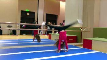"""Viitoarea gimnasta de 10 a Romaniei, """"crescuta"""" de Youtube! A invatat de pe internet cum sa ajunga ca Nadia :)"""