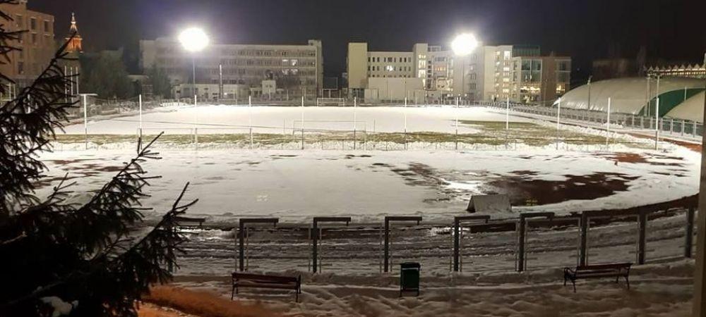 Le dau palinca suporterilor ca sa-i ajute la deszapezire! :) Ideea de ultima ora a unui club din Romania