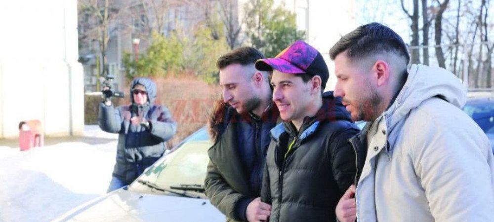 Fotbalist din Craiova, arestat dupa ce a jefuit o casa de pariuri cu un pistol de jucarie! Suma pe care reusise sa o fure