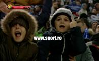 Imaginea ANULUI la Craiova! Un copil face semne obscene dupa golul lui Bancu! Oltenii, atacati cu PANTOFI pe teren! VIDEO