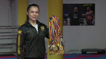 "Pustoaica de 15 ani, NEINFRICATA in ring. Nu mai are loc pentru medalii acasa: ""Trebuie sa ma mut!"" VIDEO"