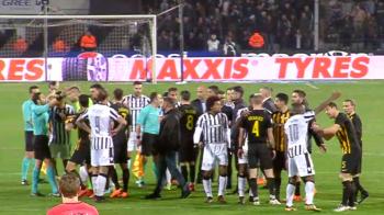 UPDATE: PAOK - AEK A FOST INTRERUPT DEFINITIV! Toate momentele unei seri halucinante: patronul lui Lucescu a intrat cu pistolul pe teren