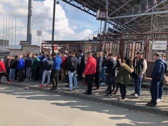FOTO DERBY de titlu in Gruia! Clujenii au facut cozi la bilete pentru meciul cu Steaua! Cat costa