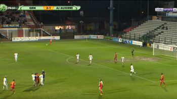 VIDEO ULUITOR: doi jucatori de la Auxerre, eliminati dupa ce s-au luat la bataie! Adversarii au sarit sa-i desparta!