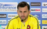 "Dica: ""Petrescu n-are cu ce sa ma surprinda!"" Mesaj pentru Gnohere si Alibec: ""Cine intra trebuie sa dea gol!"""